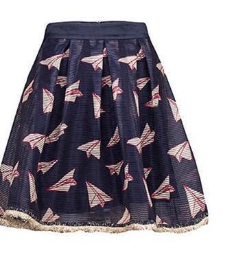 纸飞机印花,影印着那纯真时代的公主梦,唯美的条纹肌理欧根纱,新颖